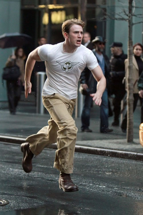 Captain America filmagem-na-Times-Square-24Abr2011_02