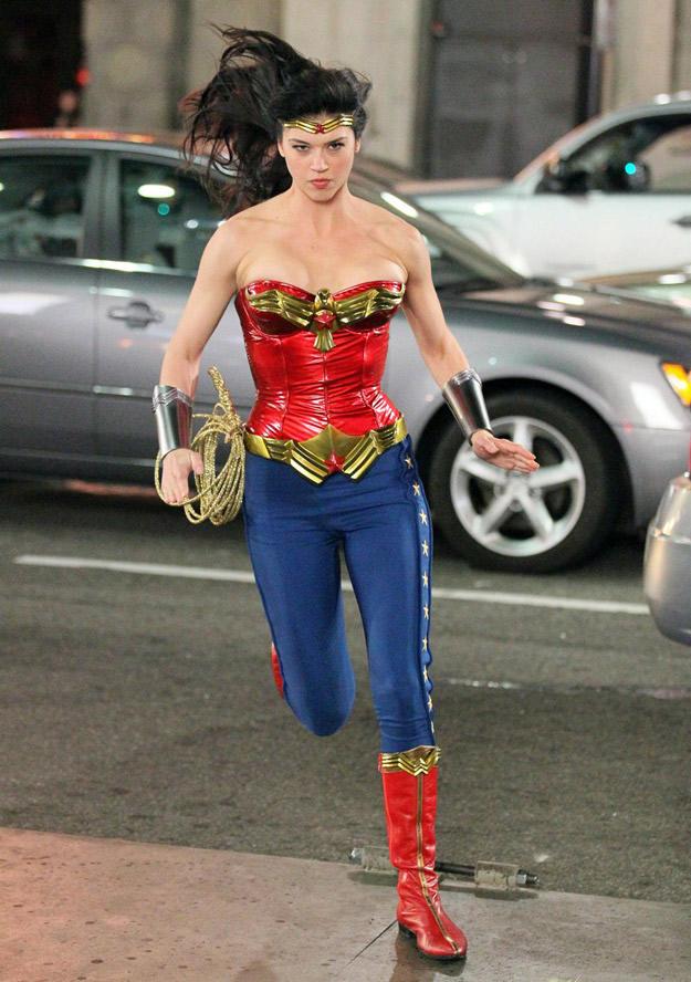 wonder-woman-new-costume-03.jpg