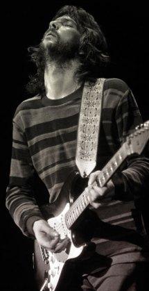 Clapton em seu ambiente: no palco!