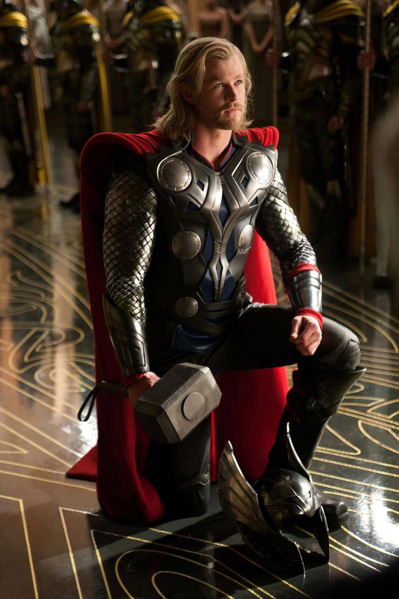 Thor de joelhos