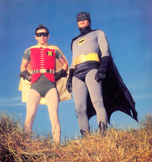 Robin e Batman na TV.