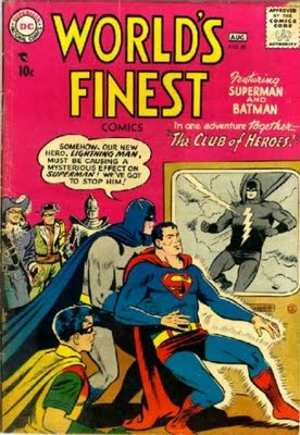 "A revista ""World Finest"": aventuras de Batman e Superman juntos."