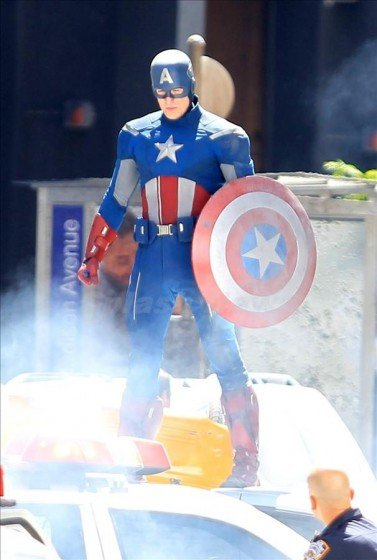 Avengers spl306684_006wm900377x560