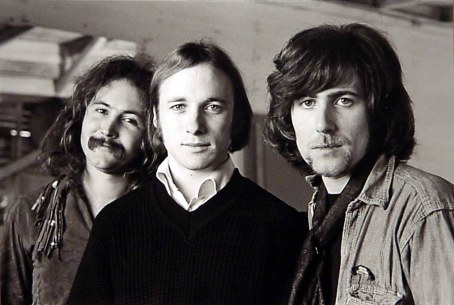 O trio original, sem Young: Crosby, Stills and Nash.