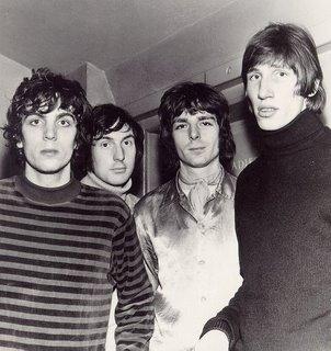 O Pink Floyd em sua primeira encarnação, com Syd Barrett (esq.), Nick Mason, Richard Wright e Roger Waters.