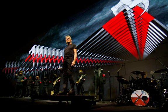 Roger-Waters-The-Wall-Live-Tour