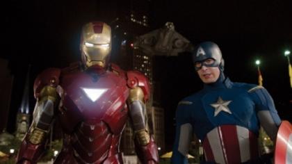 O Homem de Ferro e o Capitão América em Os Vingadores: supersucesso de bilheteria.