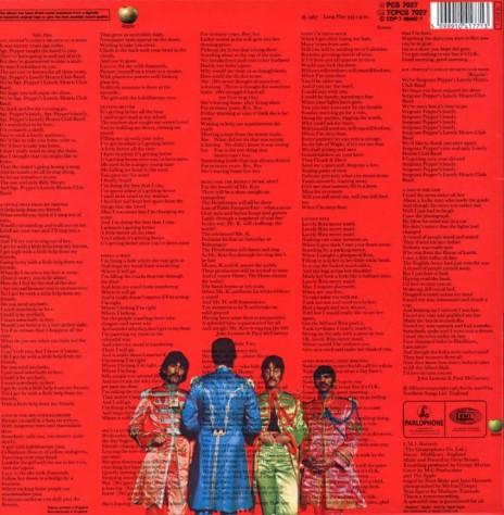 A contracapa de Peppers traz as letras das canções pela primeira vez na história.