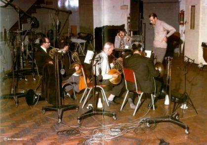 O grupo no estúdio: experimentações.