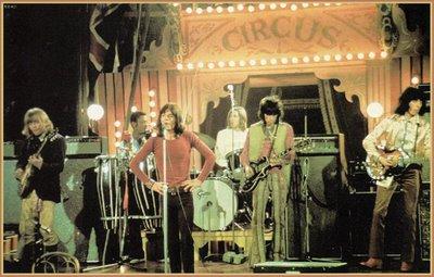 A banda toca no Circus: despedida à psicodelia.