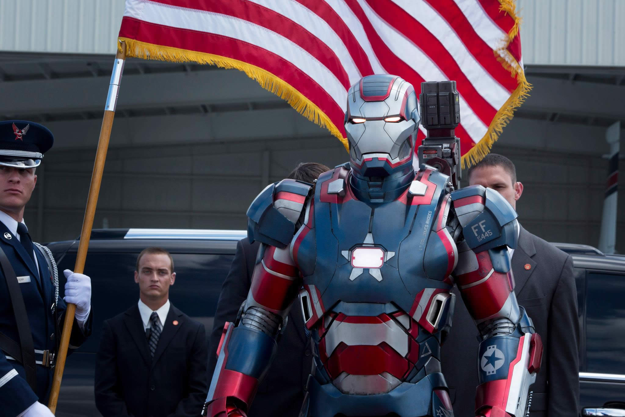 iron-man 3 oficial iron patriot