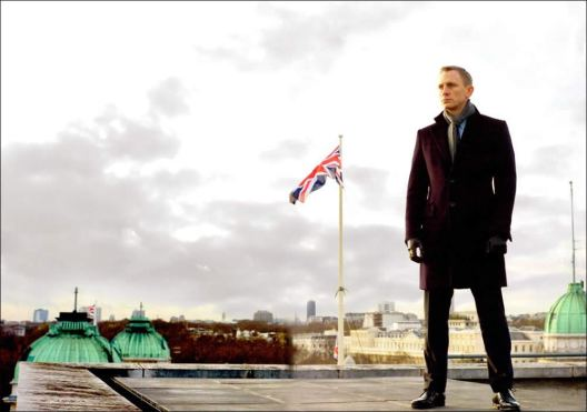 Daniel Craig de volta como 007.