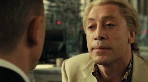 Javier Bardem: magistral como o vilão Silva.
