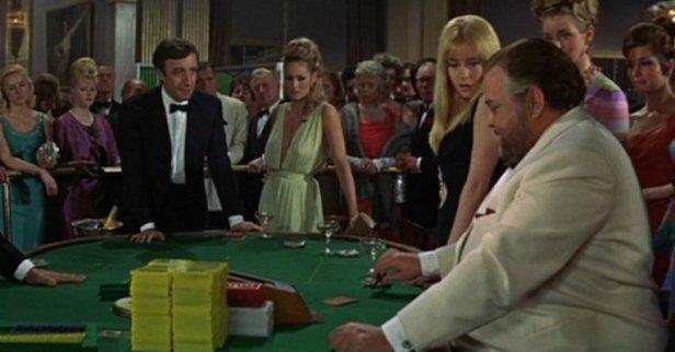 007-cassino-royale-1967 bod vs le chiffre