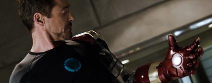 Tony Stark tem um arco mais dramático dessa vez.