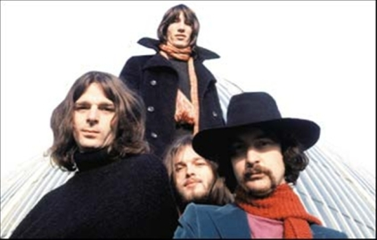 A banda no fim dos anos 1960: buscando uma identidade.