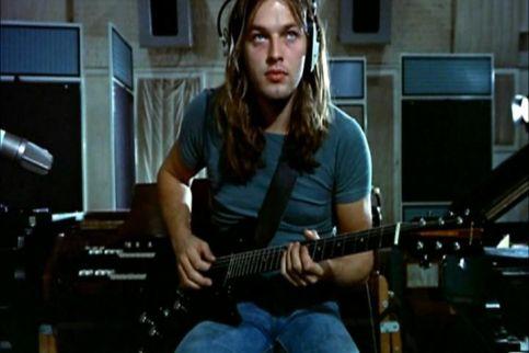 David Gilmour grava sua guitarra em Us and them: Darkside traz alguns de seus melhores momentos.