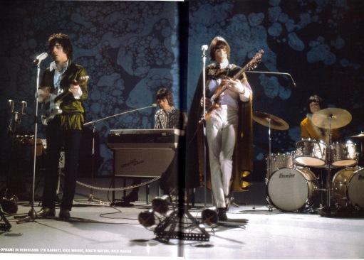 A profusão de cores do Pink Floyd ao vivo.