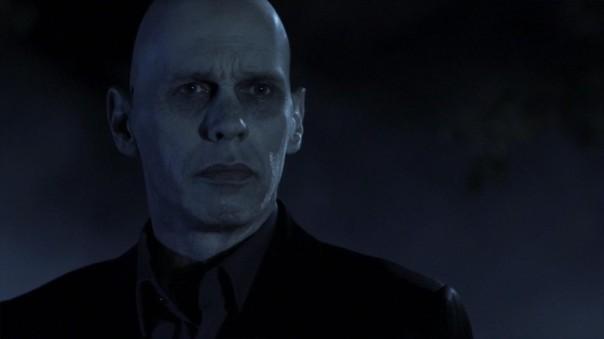 Gray como o clone envelhecido de Lex Luthor.