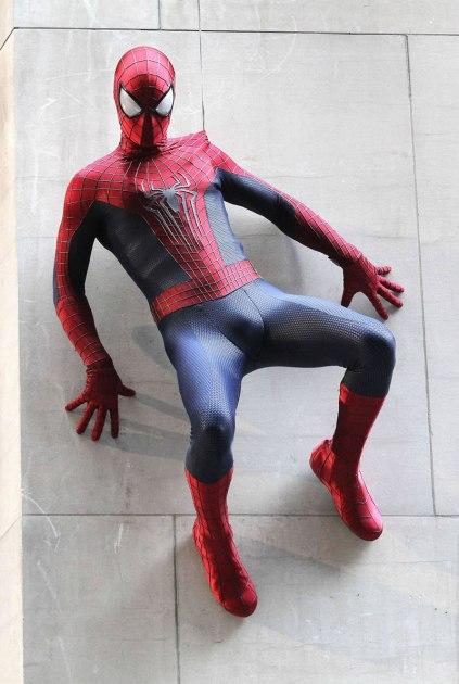 """O Homem-Aranha: detalhes do """"novo"""" uniforme."""
