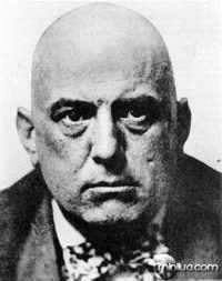 O bruxo Aleister Crowley: inspiração.