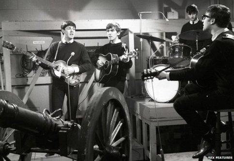 Os Beatles em 1962: gravações ao vivo na rádio estatal.