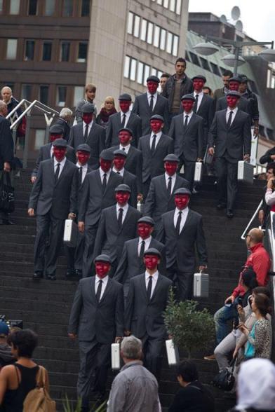 Os mascarados em Estocolmo: Caveira Vermelha?