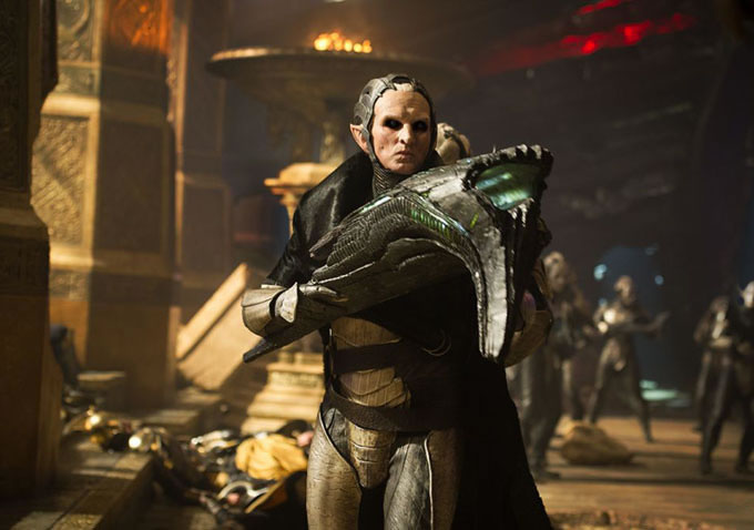 thor 2 official malekith with a gun