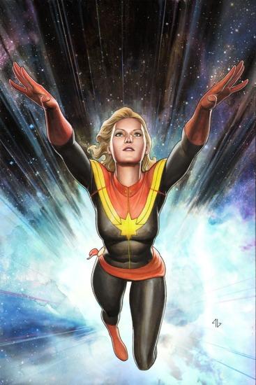 Miss Marvel em seu visual atual: usando o nome de Capitã Marvel, agora.