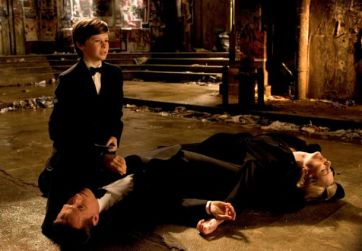 A morte dos pais de Bruce Wayne em Batman Begins, de 2005.