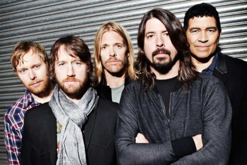 O Foo Fighters hoje: cinco shows no Brasil em 2015.