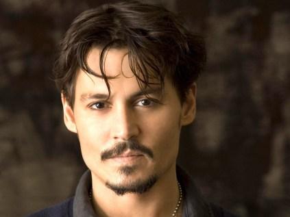 Johnny Depp pode ser o Dr. Estranho.