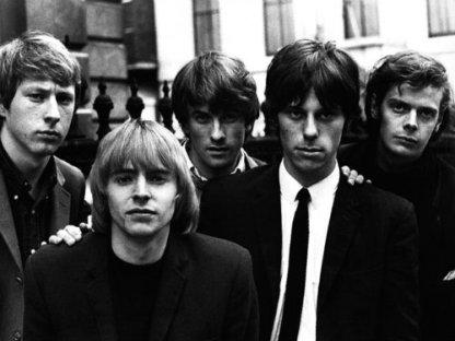 Jeff Beck (2º da dir. para esq.) nos Yardbirds: pioneiro na experimentação com a guitarra.