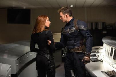 Viúva Negra e Capitão América em O Soldado Invernal.