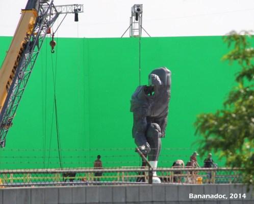 Estátua é construída nos sets de filmagem: idolatria ao Superman?