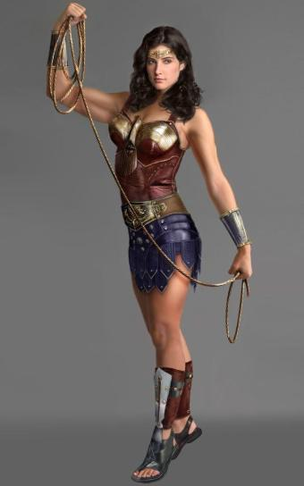A Mulher-Maravilha em estilo grego na criação de fãs na internet.