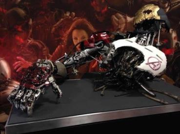 A versão primitiva de Ultron é exibida na Comic-Con.