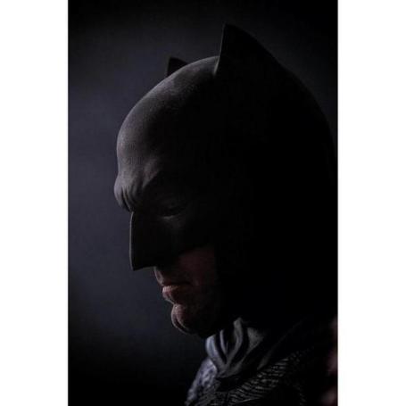 A nova imagem de Batman de perfil.