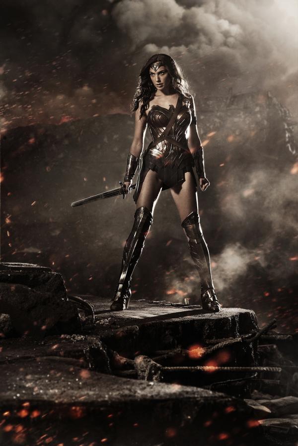 O visual da Mulher-Maravilha: guerreira.