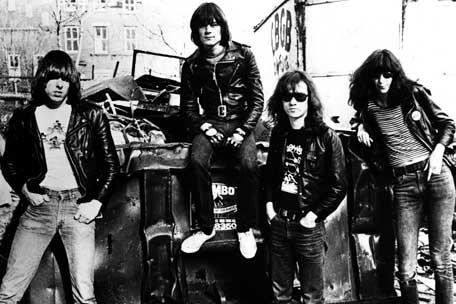 A formação original dos Ramones: maior banda punk dos EUA.
