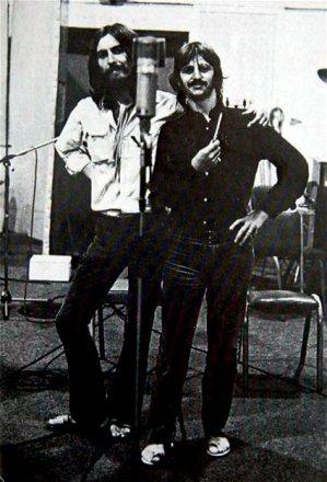 George e Ringo gravam vocais.