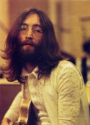 Lennon traz lembranças loucas de Liverpool em Polytheme Pam.