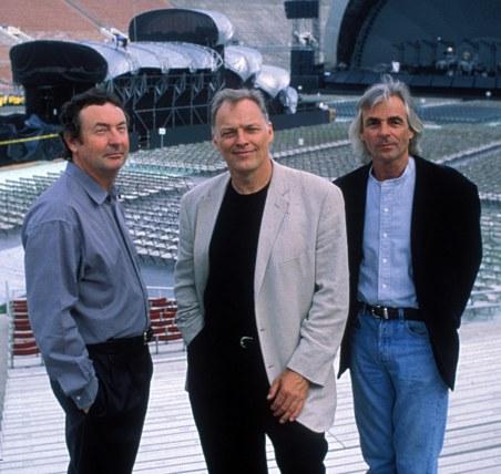 Mason, Gilmour e Wright em 1994: resgatando gravações antigas.