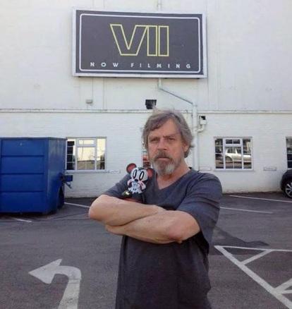 Mark Hamill reprisa o papel de Luke Skywalker: ermitão? Prisioneiro? Desaparecido?