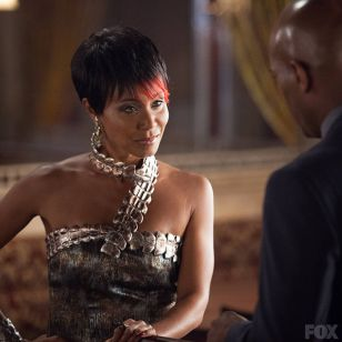 Fish Mooney quer crescer na hierarquia do crime.