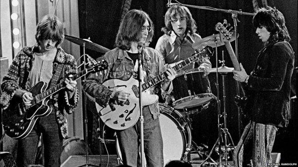 Dirty Mac, com Lennon, Clapton e Richards.