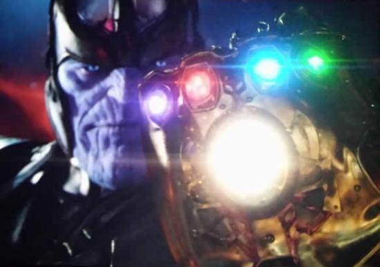 Thanos e a Manopla do Infinito.