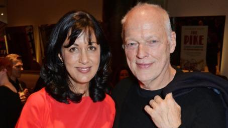 David Gilmour e Polly Samson: letra sobre o relacionamento interno do grupo.