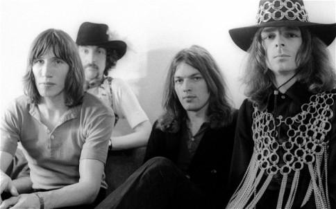 Todos unidos em 1969, Roger Waters, Mason, Gilmour e Wright: banda experimental nos primórdios.