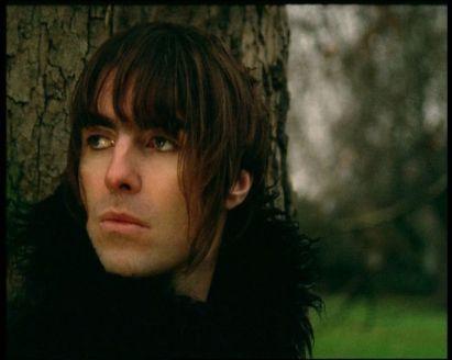 Liam Gallagher no clipe de Songbird: sucesso também como compositor.